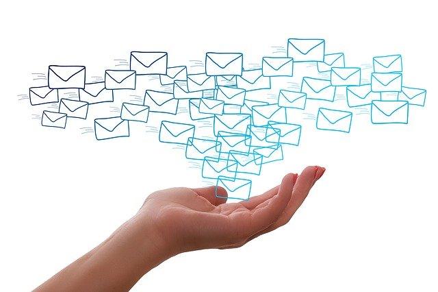 RISU 申し込み受付完了メールの内容